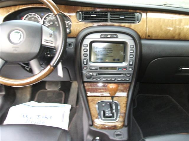 Image 12 of 2005 Jaguar X-Type SE…