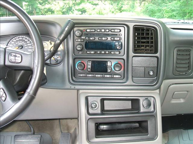 Image 4 of 2005 Chevrolet Tahoe…