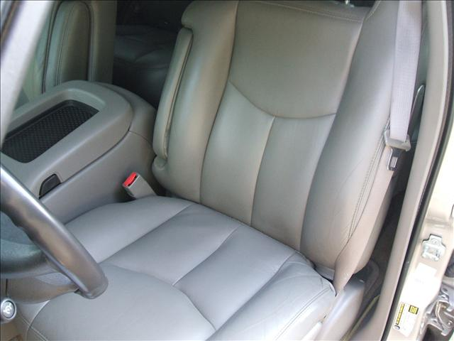 Image 12 of 2005 Chevrolet Tahoe…