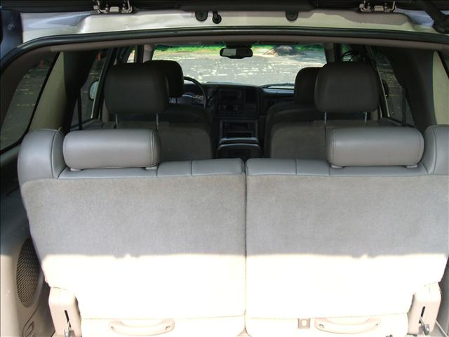 Image 14 of 2005 Chevrolet Tahoe…