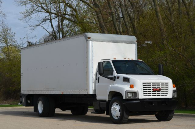 2005 GMC C7500 - Crystal Lake, IL