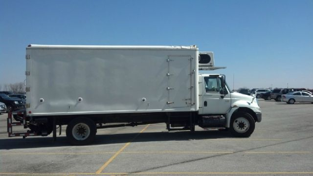2003 International 4300 - Crystal Lake, IL