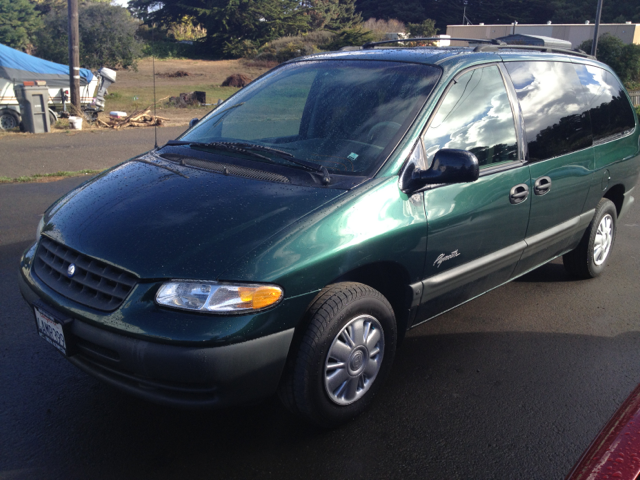 Tothego - 1998 Plymouth Grand Voyager_1