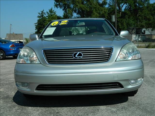 used 2002 lexus ls 430 for sale 39 e 147th st harvey il 60426 used cars for sale. Black Bedroom Furniture Sets. Home Design Ideas