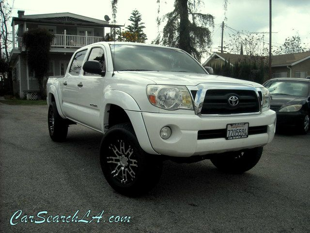 2006 TOYOTA TACOMA PRERUNNER DOUBLE CAB V6 AUTO 2 white clean title no accidents clean carfax