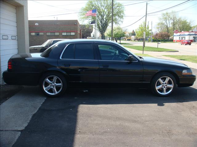 2003 Mercury Marauder