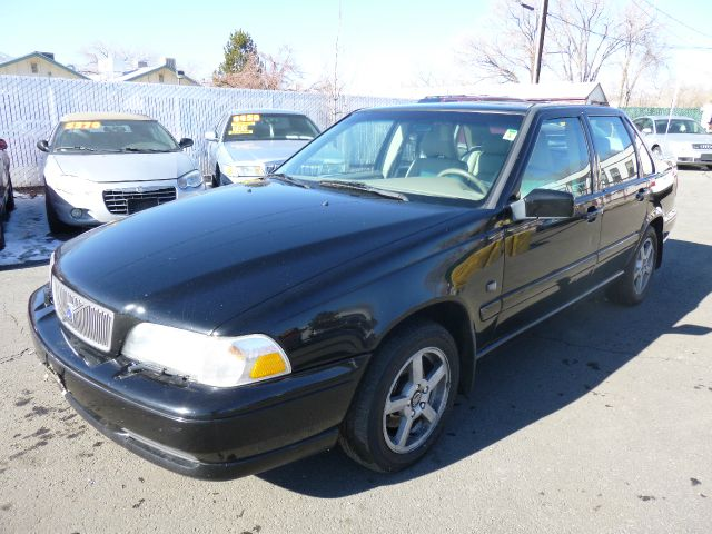1999 VOLVO S70 GLT AWD black this volvo is in great condition inside as well as outside like new