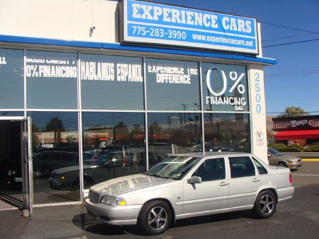 2000 VOLVO S70 BASE silver 2000 volvo s70  priced right for this dependable running vehicle that i