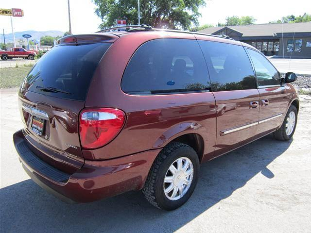 2006 Chrysler Town & Country Touring Minivan 4D - OKANOGAN WA