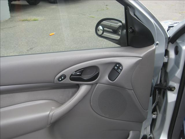 Image 2 of 2001 Ford Focus ZX3…