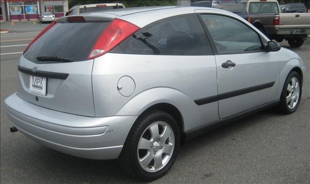 Image 17 of 2001 Ford Focus ZX3…