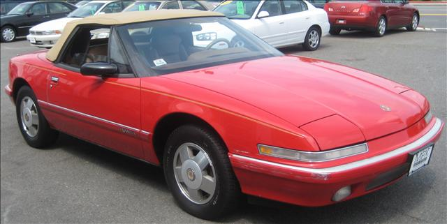 Image 18 of 1990 Buick Reatta Convertible…