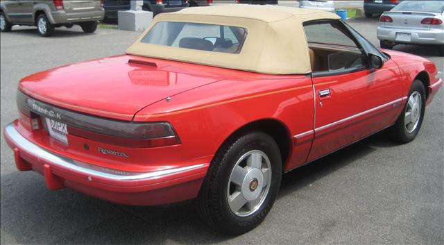 Image 19 of 1990 Buick Reatta Convertible…