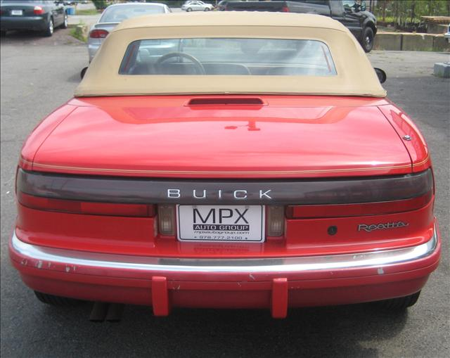 Image 20 of 1990 Buick Reatta Convertible…