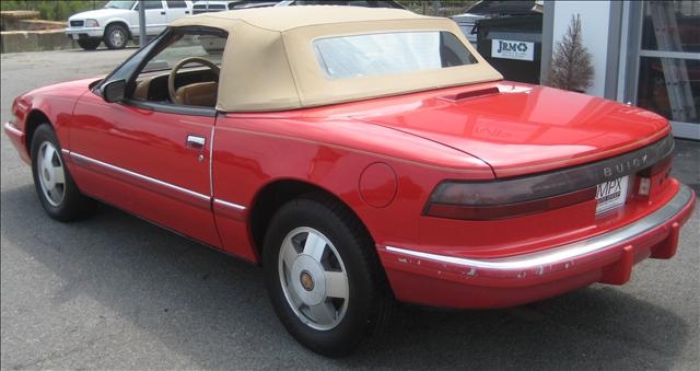 Image 21 of 1990 Buick Reatta Convertible…