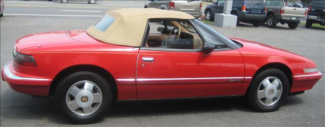 Image 22 of 1990 Buick Reatta Convertible…