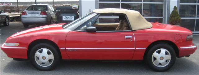 Image 23 of 1990 Buick Reatta Convertible…