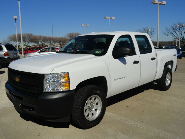 2010 CHEVROLET SILVERADO 1500 WORK TRUCK CREW CAB 4WD oxford white check out this oxford white che