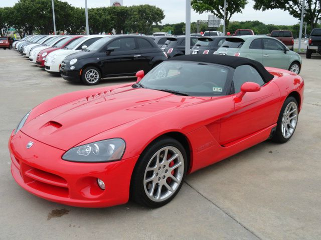 2004 DODGE VIPER SRT-10 laser red beautiful low mileage dodge viper srt-10 with the awesome 6-spee