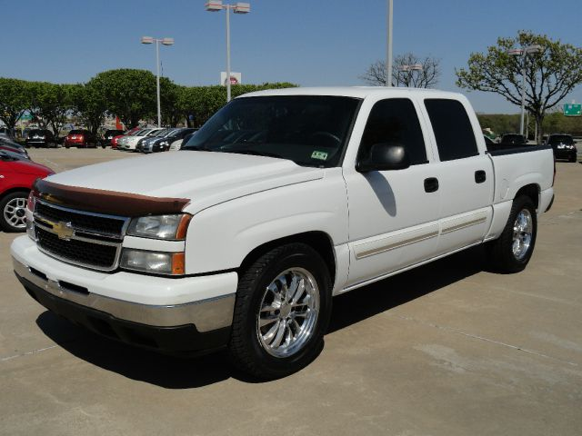 2007 CHEVROLET SILVERADO 1500 LS2 CREW CAB 2WD summit white automatic transmission air conditioni