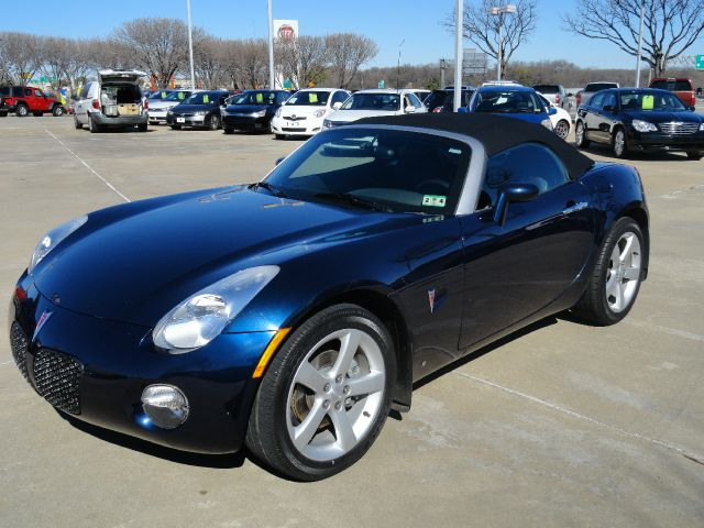 2006 PONTIAC SOLSTICE ROADSTER blue diamond beautiful blue diamond metallic pontiac solstice roads