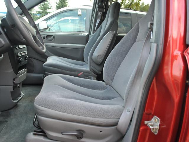 Image 2 of 2004 Dodge Caravan 6-Cylinder…