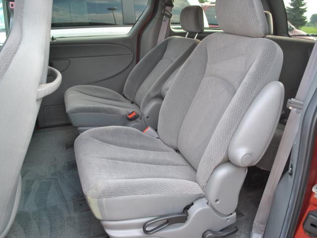 Image 3 of 2004 Dodge Caravan 6-Cylinder…