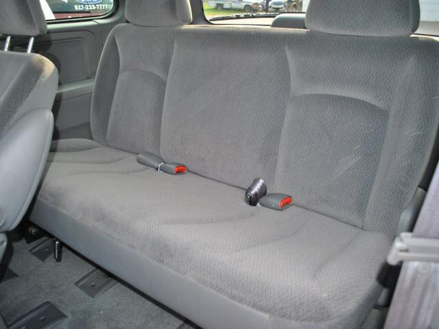 Image 4 of 2004 Dodge Caravan 6-Cylinder…
