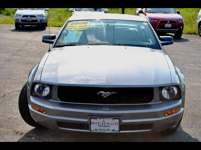 Image 12 of 2006 Ford Mustang 2dr…