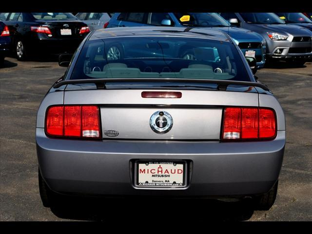 Image 18 of 2006 Ford Mustang 2dr…