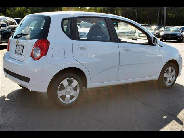 Image 8 of 2011 Chevrolet Aveo5…