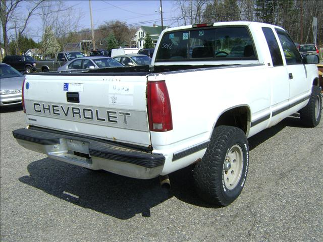 1995 Chevrolet K2500  - 72 rt 125 Kingston nh 603 347 5054 NH