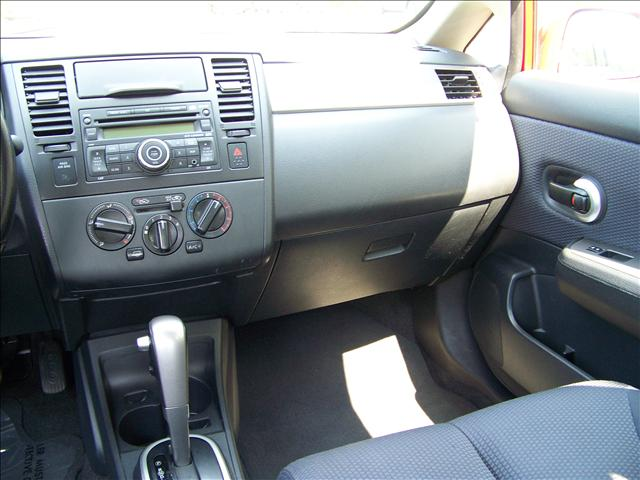 Image 4 of 2009 Nissan Versa SL…
