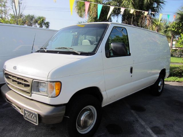 2001 Ford Econoline E250 - POMPANO BEACH FL