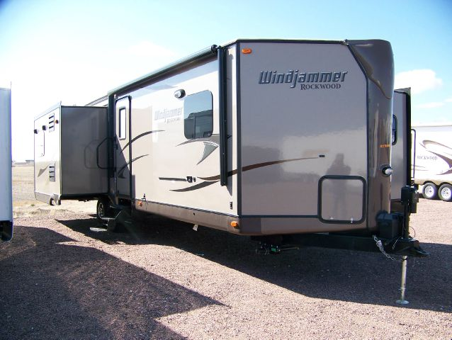 2014 ROCKWOOD WINDJAMMER 3065WS